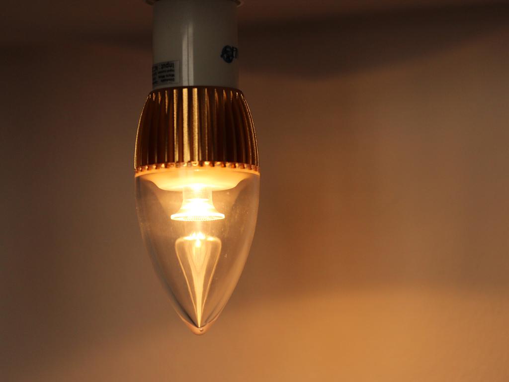 LED-fenyforras-ego-gyertya-meleg-feny.1024x768